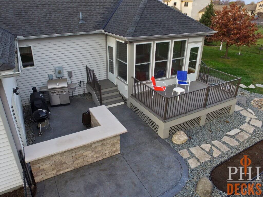 Sun-porch-deck-outdoor-bar-stamped-concrete-landscaping