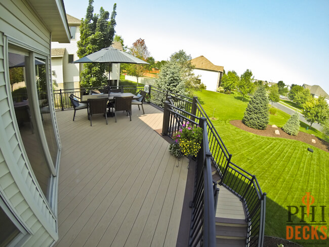 aluminum-railings-riviera-picture-frame-decking-low-maintenance-PHI-Decks