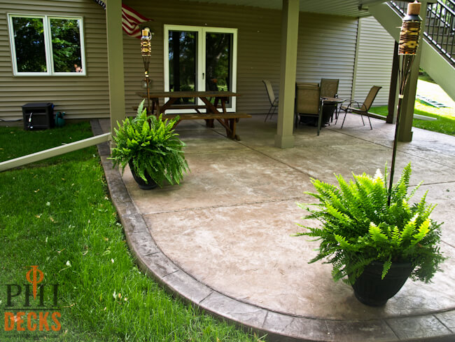colored-stamped-concrete-with-curbing-mn