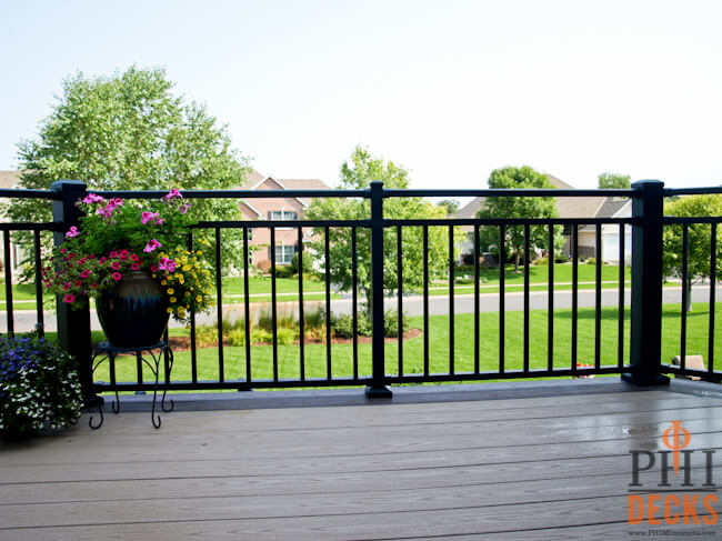 low-maintenance-decking-and-railing