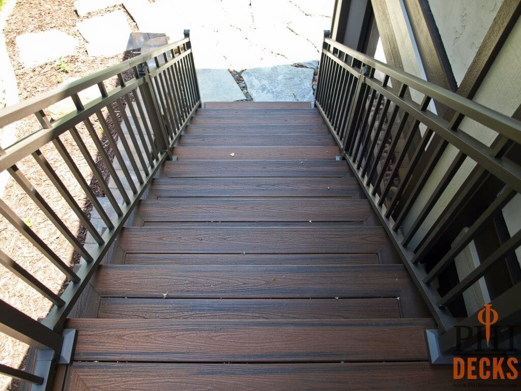 trex-decking-stair-treads